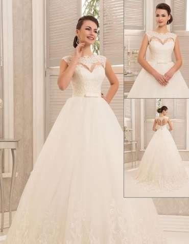 Шикарное свадебное платье сердце пышного силуэта спинка бабочка