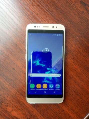Продам смартфон Самсунг Galaxy S9