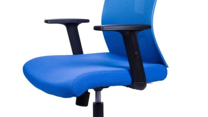 Доступное кресло для дома и офиса Barsky ВМ-05 сетка голубая