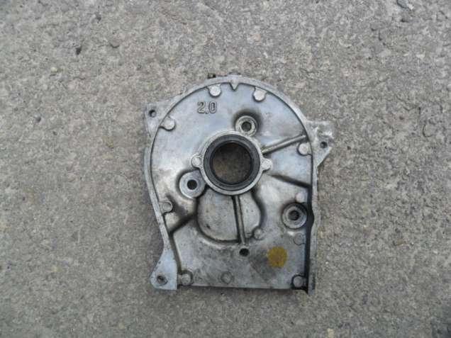 Передняя крышка распредвала  Мазда 626 ЖЦ, мотор 2.0 FE, 8 клапанов