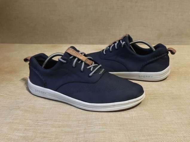 959c9ffb1b7467 кросівки: у категорії «Одяг/ взуття» на дошці безкоштовних оголошень ...