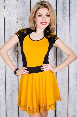 Платье с французским набивным гипюром