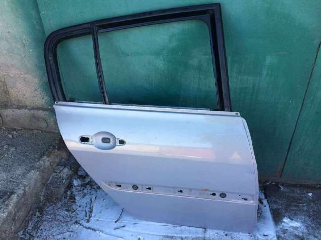 Б/у дверь задняя правая Renault Megane 2, 7751473734, хэтчбек,
