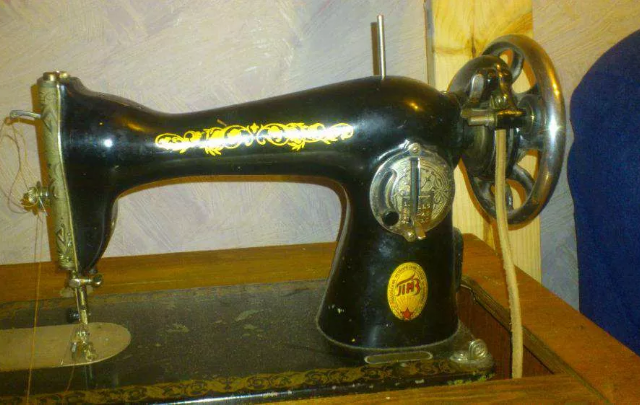Продам швейную машинку Подолка