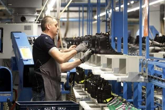 Специалисты на обувную фабрику, Хорватия