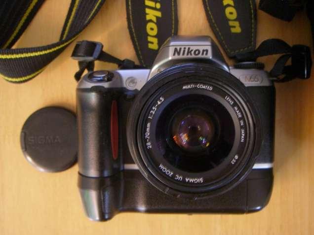 Пленочная, зеркальная, однообъективная б/у камера Nikon N65.