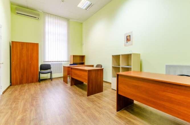 Сдается офис, оборудованный мебелью, м. Лукьяновская, 2 кабинета