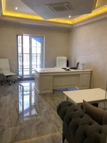 Комфортабельный офис с мебелью и техникой на Дегтярной 6.