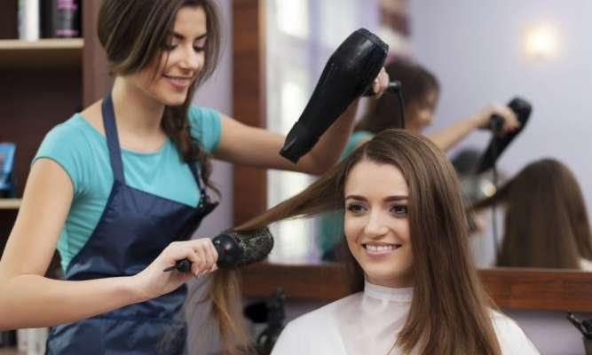 Требуется парикмахер (большя база клиентов)