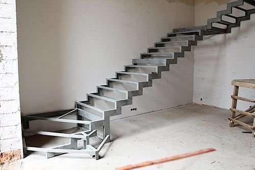 Металлическая лестница от 13000