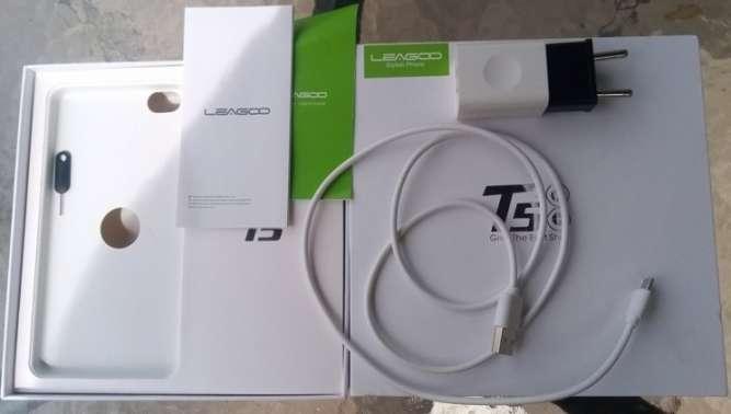 Leagoo T5, 5,5' FHD экран, DUAL SIM, 8 ядерный процессор 1,5 GHz, опер