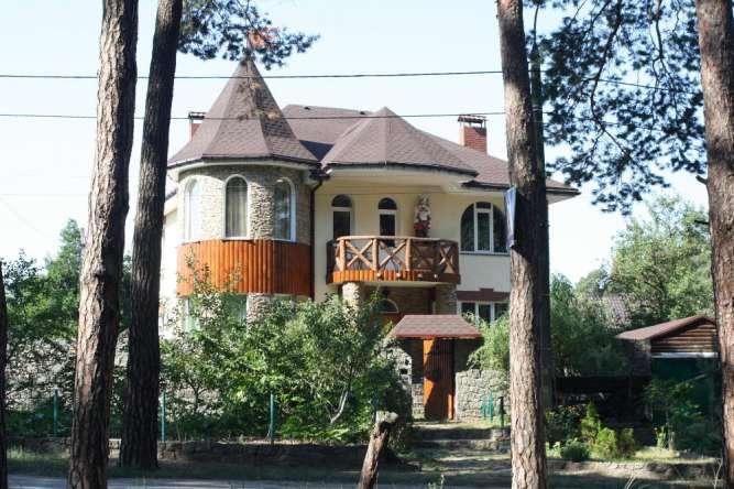 Сдам шикарный коттедж для семьи возле леса